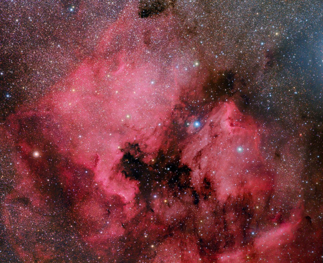 C20-NGC7000_IC5070-LRGB-mosaic3final4aT-5def-C